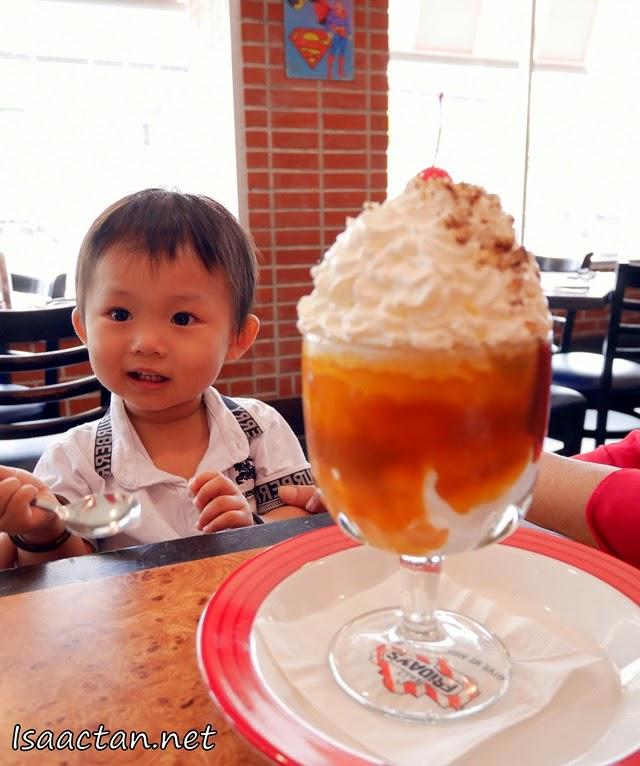 #5 Fridays Sundae - RM15.90