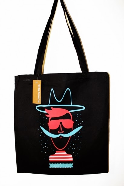 http://johnnytipeti.com/tienda/es/complementos/191-bolso-bandolero.html