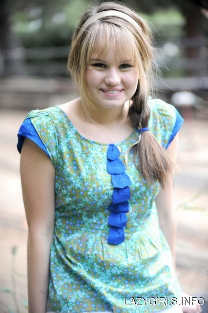 Teen Girls Hairstyle Ideas - Debby Ryan Hairstyles