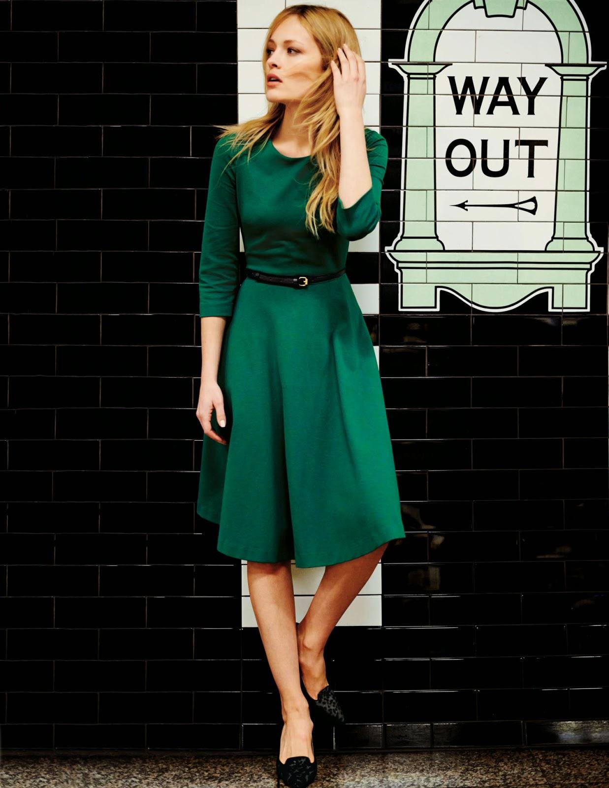 Modest bold midi dress with sleeves | Follow Mode-sty for stylish modest clothing tznius orthodox jewish muslim hijab mormon lds pentecostal islamic evangelical christian