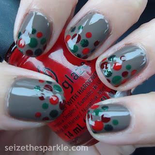 Christmas Dot Manicure