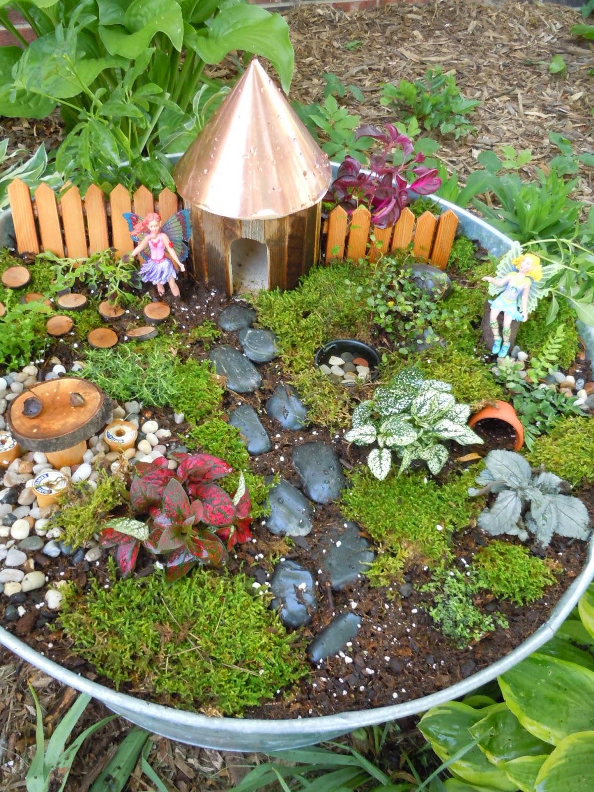 Daisy Maisie Journaling Momma Fairy Garden