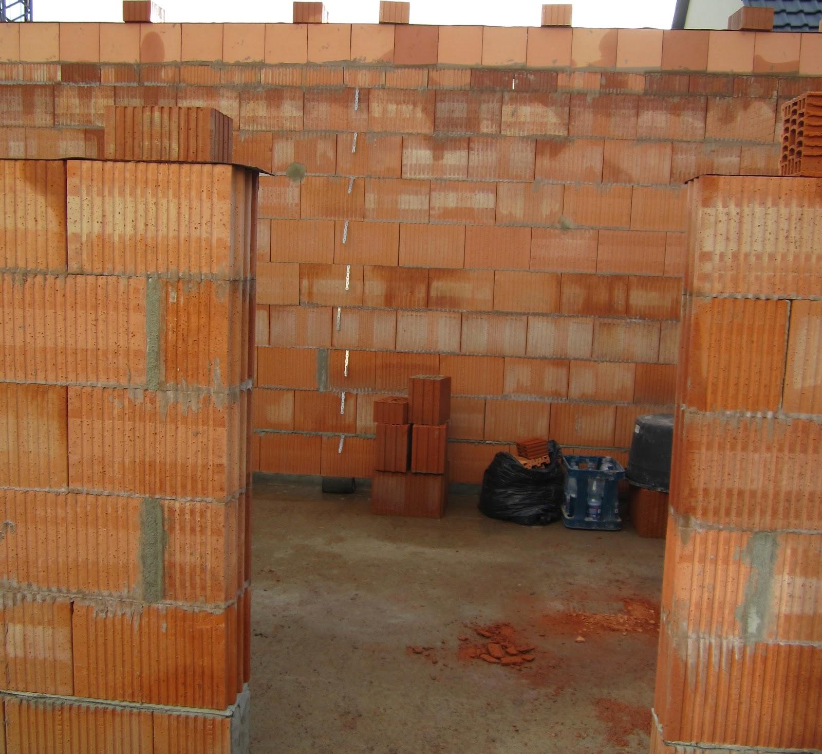 unser hausbau garage in eigenleistung u schalen aufgeklebt f r den ringanker. Black Bedroom Furniture Sets. Home Design Ideas