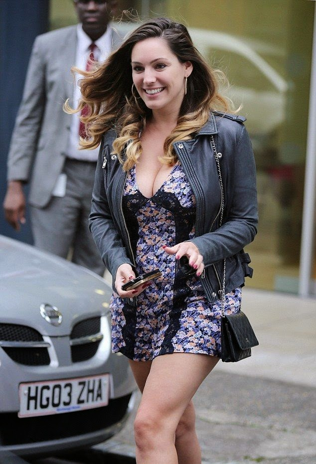Does it get better than another A-list lady in a simple garment design? You know it doesn't because we're all just drooling over Kelly Brook in this blue playsuit. The 34-year-old just made sure to be the centre of attention as she walks alone at Beverly Hills, CA, USA on Sunday, October 5, 2014.