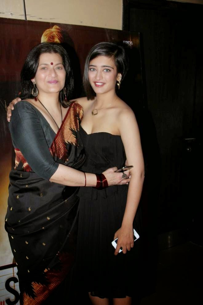 Akshara Haasan at Shamitabh Movie Special Screening Photos
