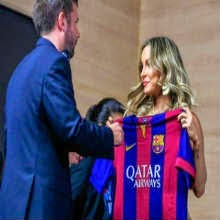 Claudia Leitte é impedida pela Fifa de vestir uniforme do Barcelona