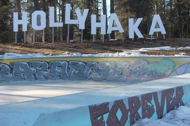 Hollyhaka