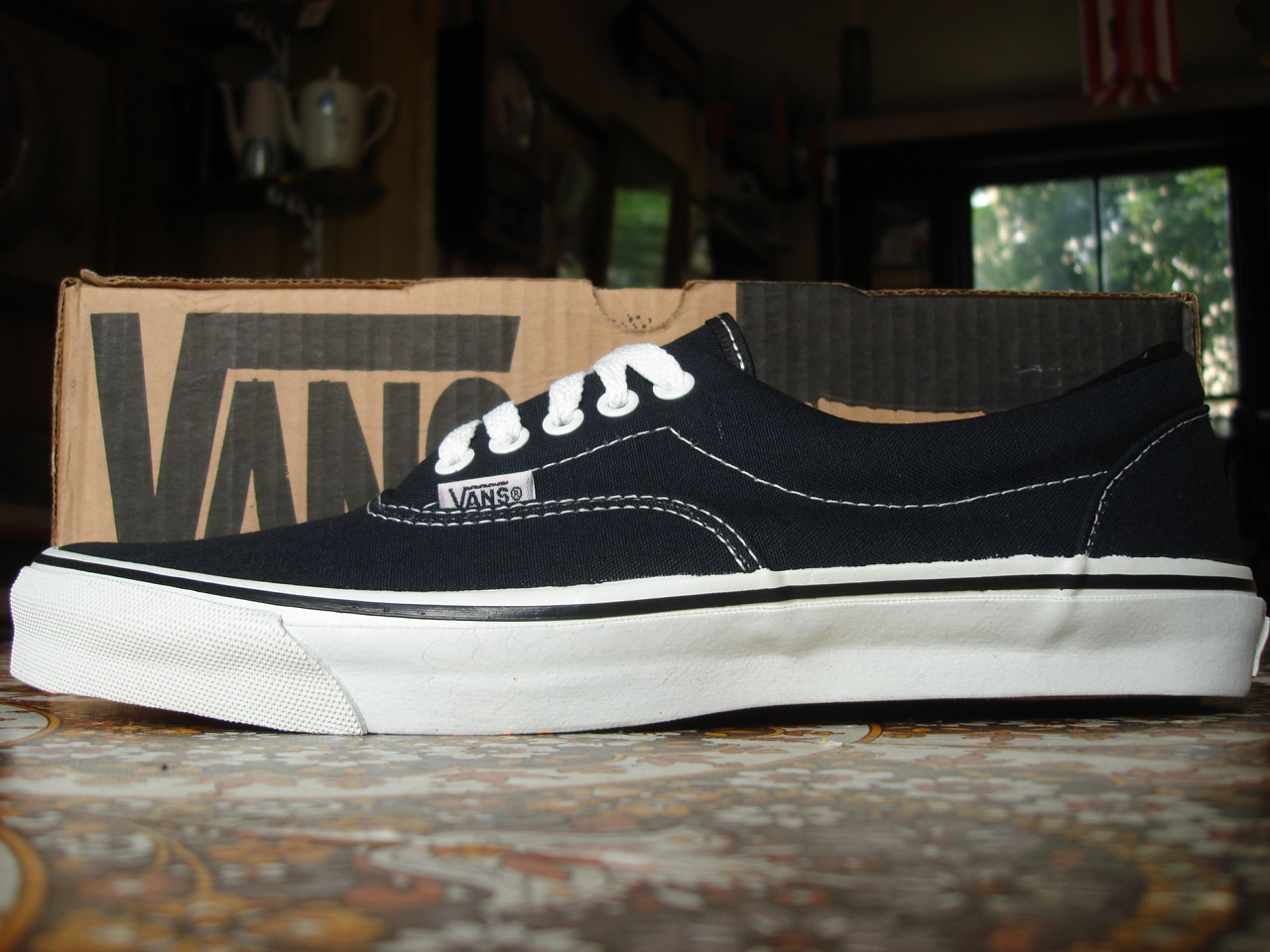 8ef746f0762ed4 vintage vans style  95 era black canvas   foxing stripe made in usa circa  1993 new in box. US12 UK11-11.5
