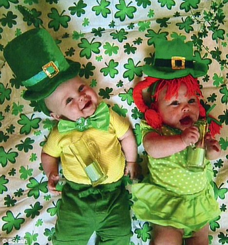 Smurfs' star Neil Patrick Harris dresses his twins up as ...