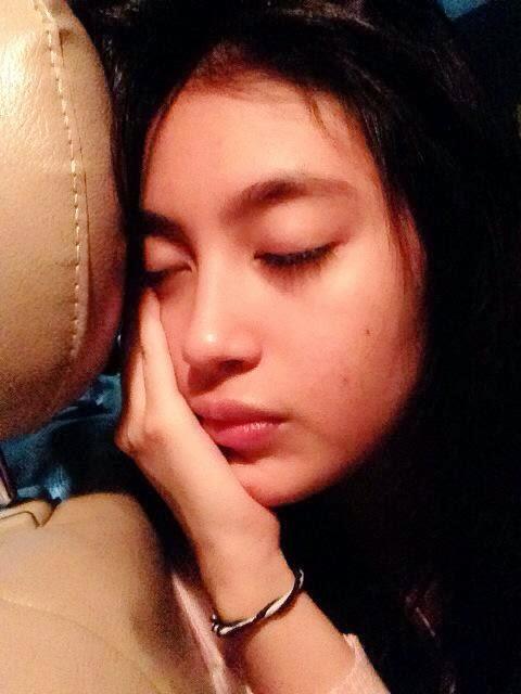 Foto Nabilah JKT48 Lagi Tidur Di Mobil