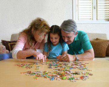 4 Manfaat Mengajak Anak Bermain Puzzle [ www.BlogApaAja.com ]