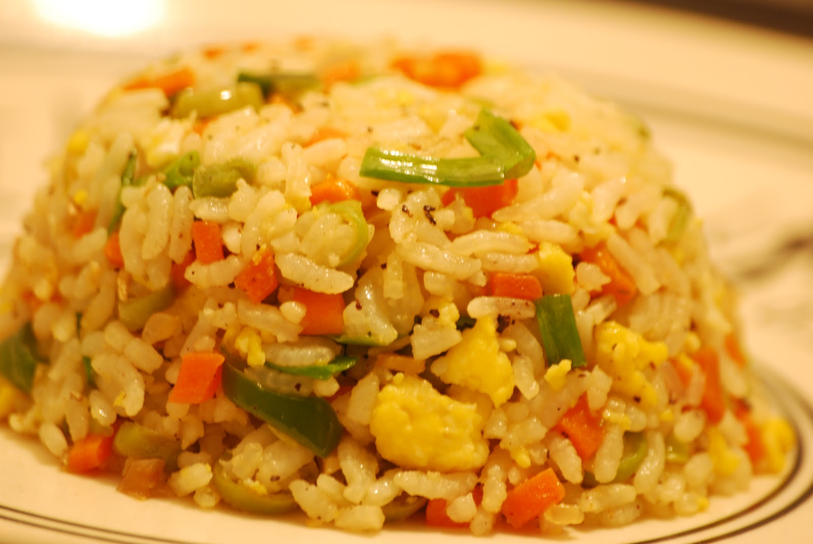 This and that of food and life vegetable fried rice with scrambled egg hence i had to wait to get home to have the fried rice before dinner well to my mom for being a very good cook here goes my version of the fried rice ccuart Choice Image