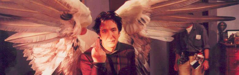 https://www.google.se/url?sa=i&rct=j&q=&esrc=s&source=images&cd=&cad=rja&uact=8&ved=0ahUKEwiiv4Pf86nKAhWih3IKHVmeAG4QjRwIBw&url=http%3A%2F%2Frebloggy.com%2Fpost%2Falan-rickman-angel-flipping-the-bird-wings-dogma-metatron%2F75415401312&psig=AFQjCNHpRW2cuWugQrhZQXjkLG5qpLpLxw&ust=1452881470436883