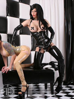 Sexy Latex Lesbians Fucking Rubber Cock
