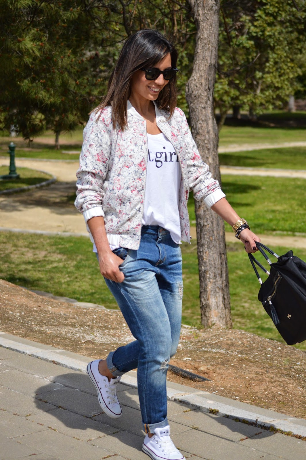 converse sporty chic street style style cristina style fashion blogger malagueña blogger malagueña zara mango boyfriends outfit chic look tendencias moda mood lovely bomber gorgeous inspiration