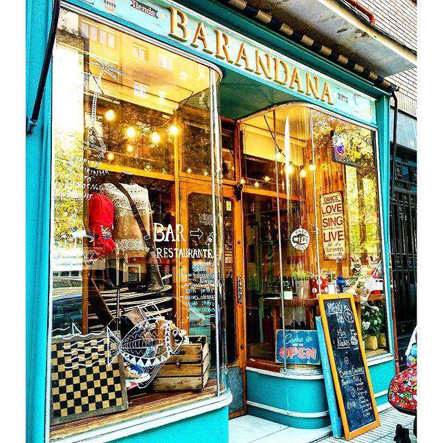 Barandana Ropa & Bar