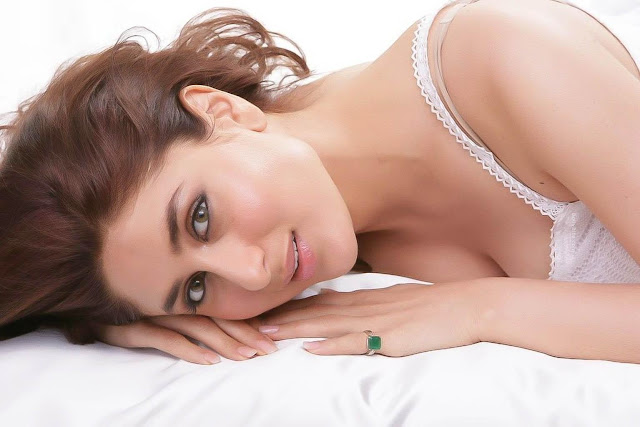 kareena kapoor | sizzling hq shoot in white photo gallery