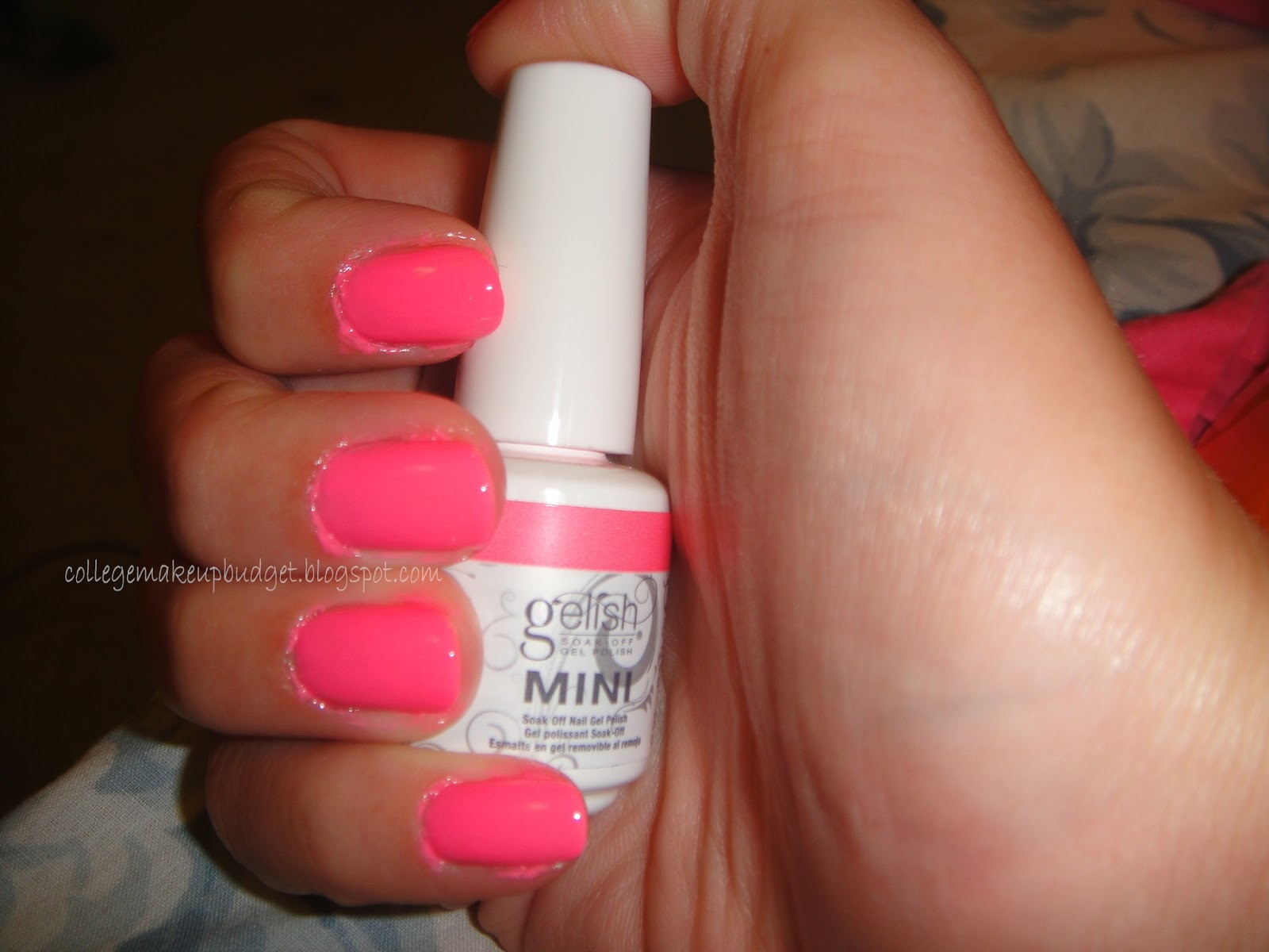Gelish Make You Blink Pink Swatch,Gelish Make You Blink Pink Review, Gelish Make You Blink Pink, Gelish, Make You Blink Pink, neon pink, gel neon pink,