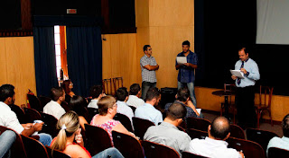 """Governo e contadores se reúnem na Prefeitura """"O objetivo é conscientizá-los sobre a necessidade do aumento da arrecadação tributária"""", diz o Controlador do município, Nilton Canto"""