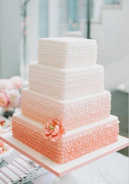 pastel de 4 plantas decorado en tonos degradados pastel