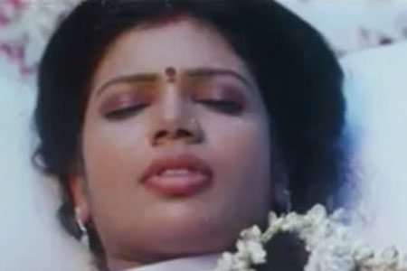 Mallu Aunty First Night http://graffitigraffiti.com/pics/mallu-saree-scene-in-dailymotion