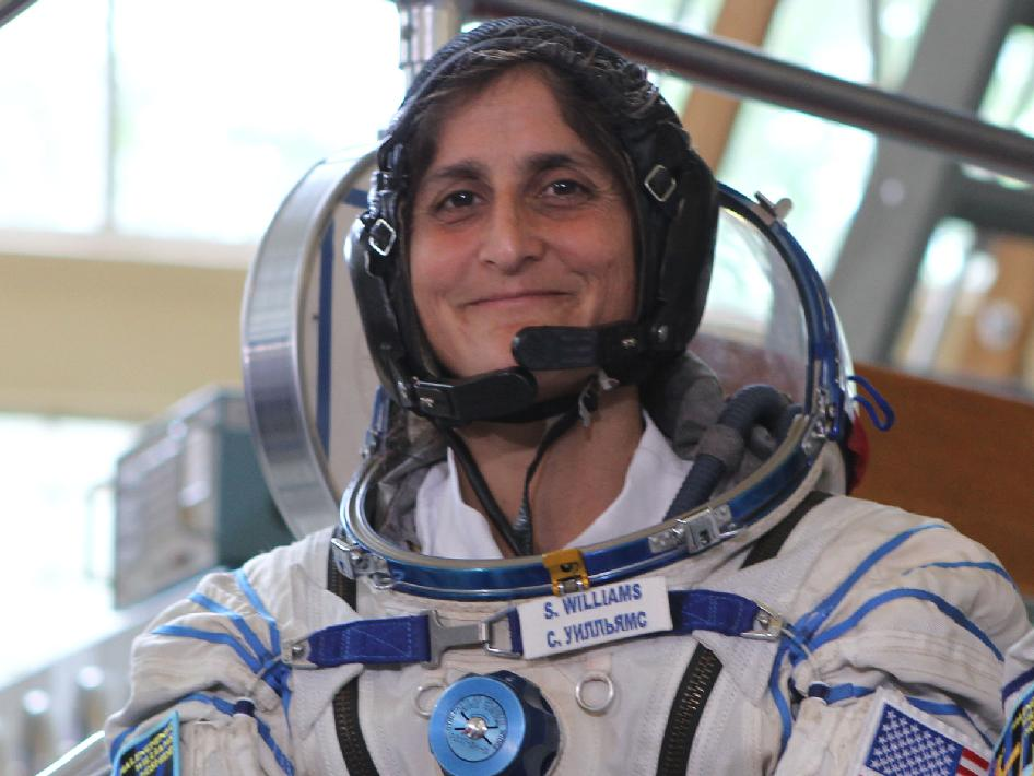 sunita williams Sunita was a highly accomplished disciple of the buddhahe was born in a very poor family who had next to no food and was an outcast whose job was to gather flowers from shrines and throw.