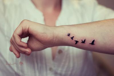 Tatuagem Feminina no Pulso a melhor
