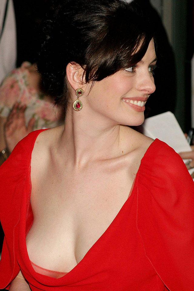 Anne Hathaway Porn Pics