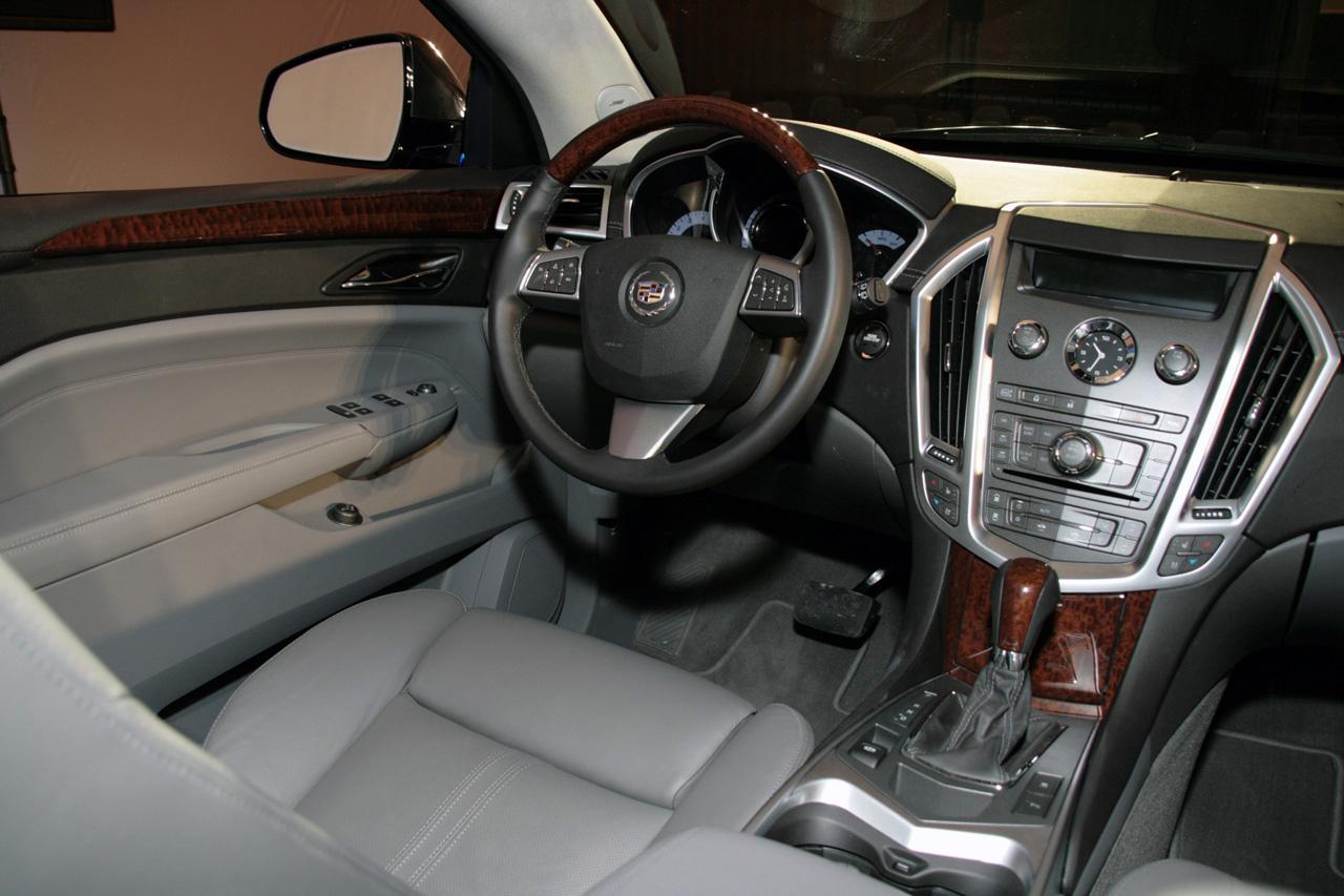 http://1.bp.blogspot.com/-I7q6D3iQPUg/Tmjqnv7bZAI/AAAAAAAABt8/ysQqfslRDNU/s1600/2010-Cadillac-SRX-4.jpg