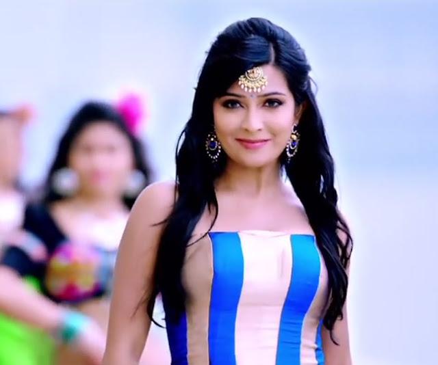 Radika Pandit Actress Photos in Zoom Kannada Movie