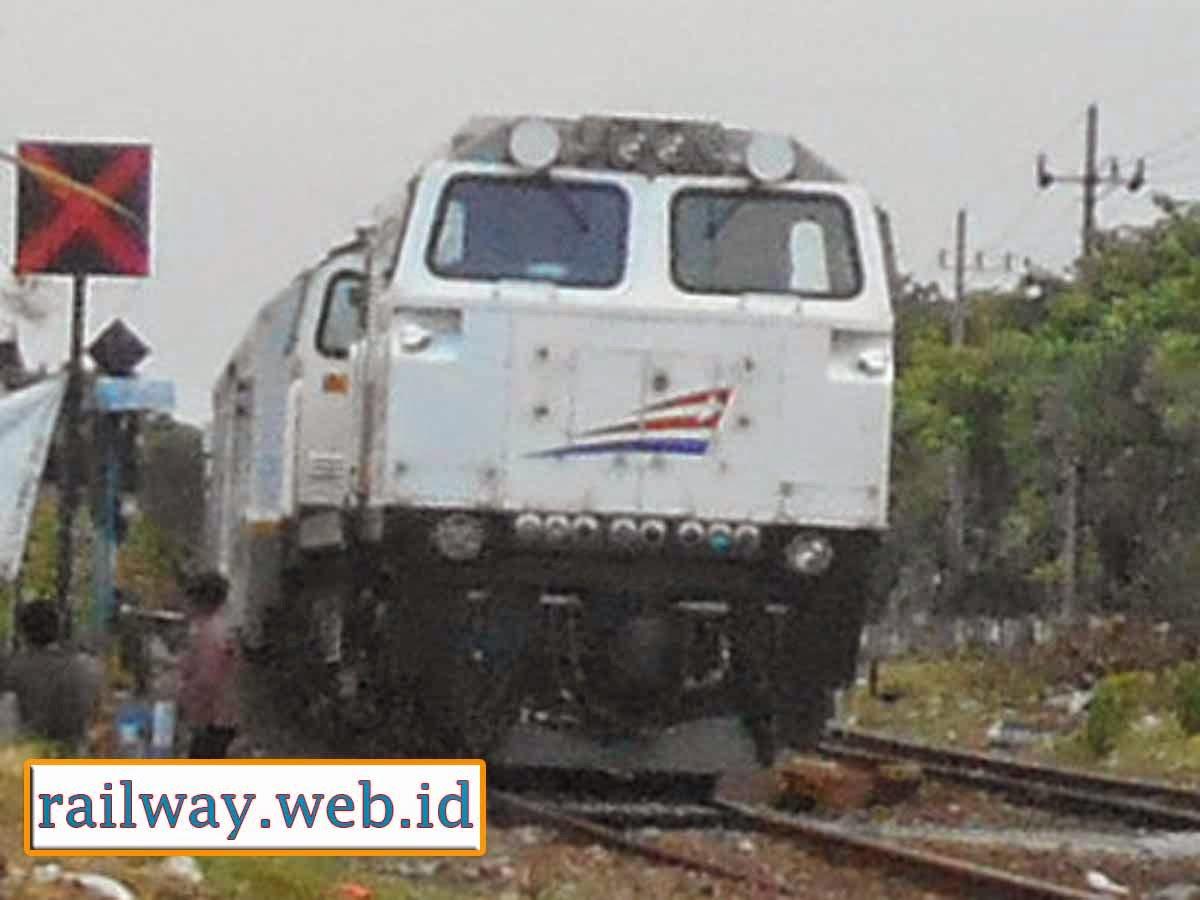 tentang lokomotif cc206