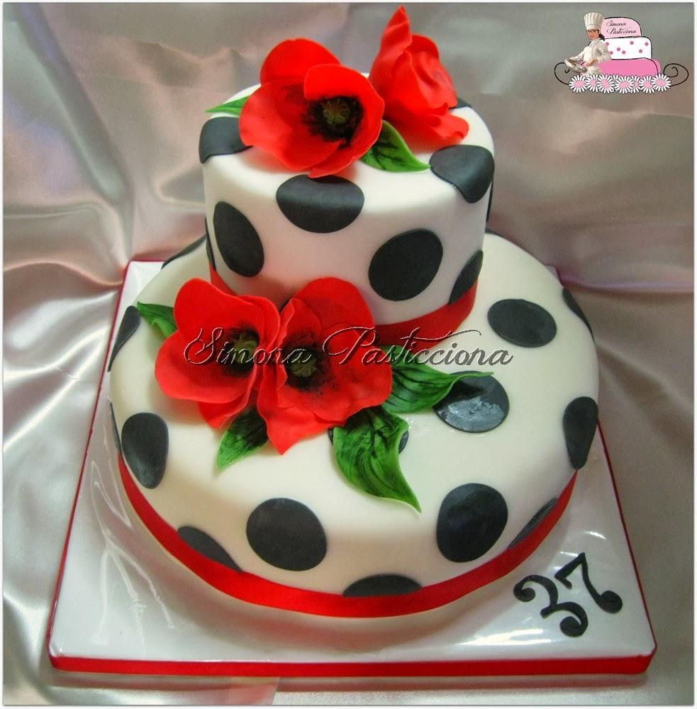 Simona pasticciona torta pois e papaveri for Decorazione torte millefoglie