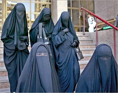 النقاب والحجاب واللحية والجلباب عند علماء  الوهابية