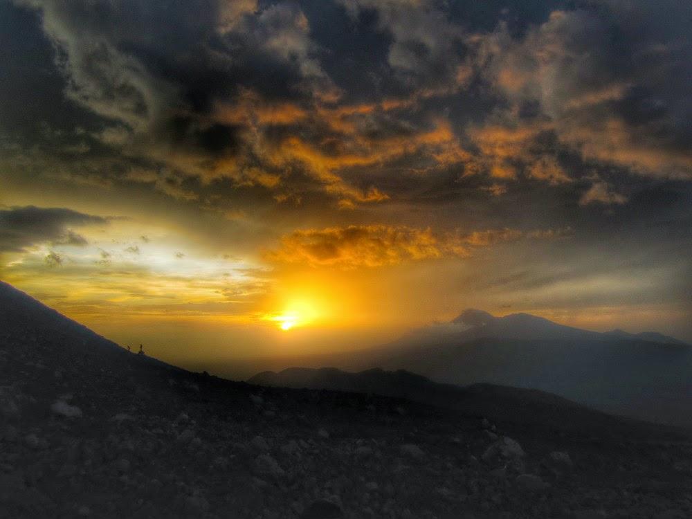 Atardecer-volcán-Telica