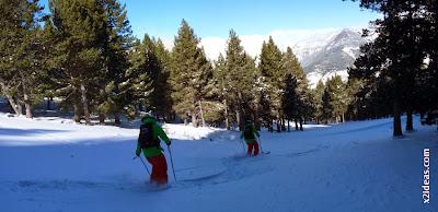 http://cerlerisdifferent09.blogspot.com.es/2013/11/sabado-cerler-y-nieve-esquiar.html