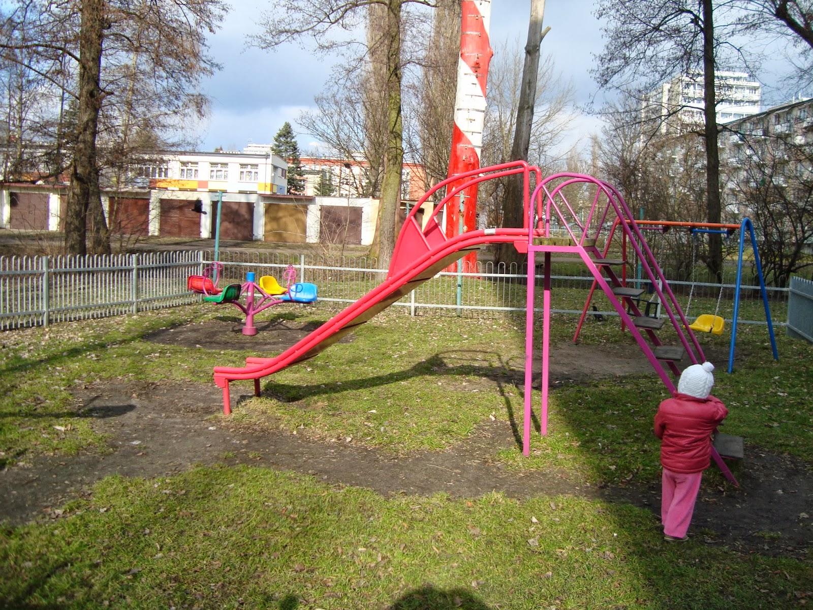 Toruń plac zabaw, przy Strudze Toruńskiej