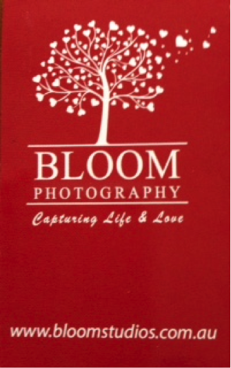 bloom photography logo