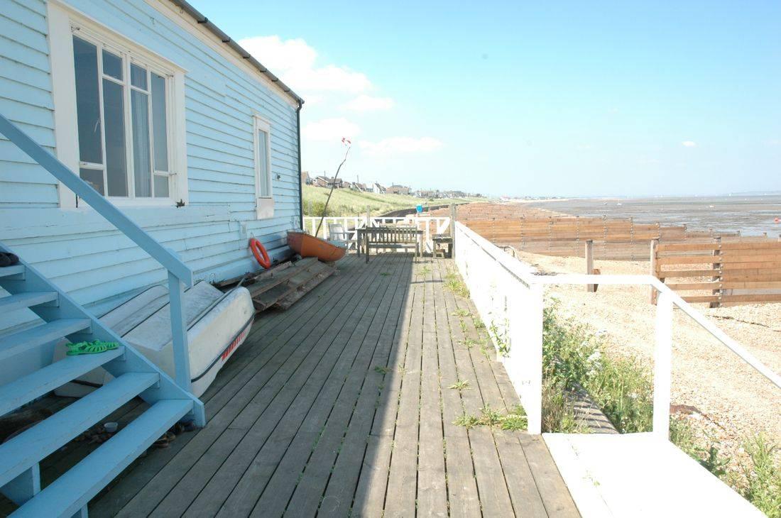Un faro de ideas una casa en blanco y celeste for Planimetrie della casa del cottage
