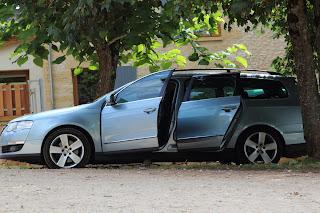 "VW Passat Estate with 5 spoke alloys 17"" wheels"