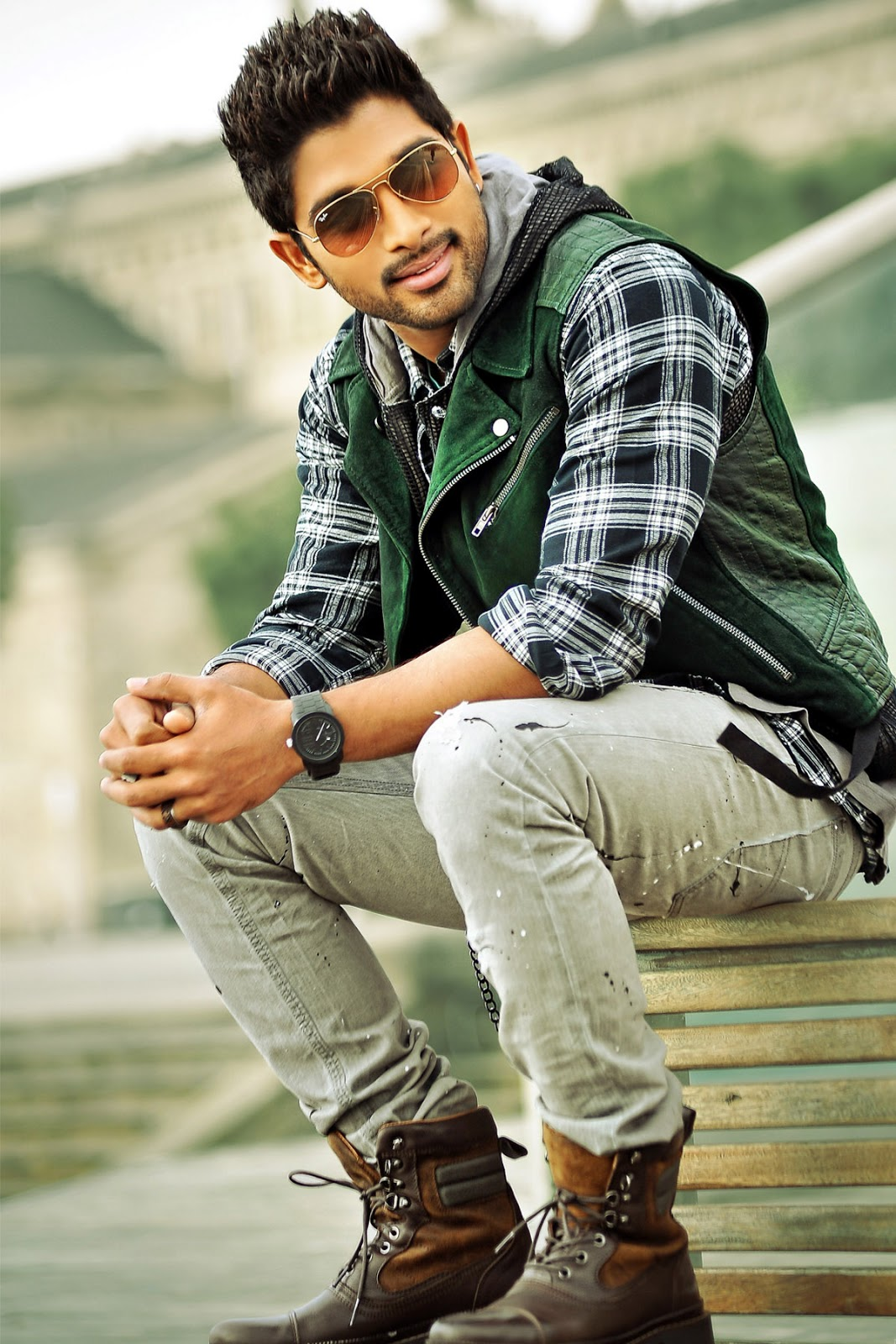 Allu Arjun Latest HD Wallpapers
