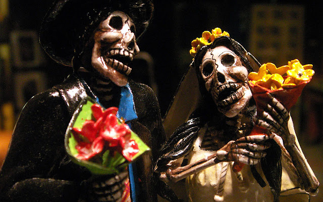 Skeleton Dia De Los Muertos Bride and Groom Halloween Costumes