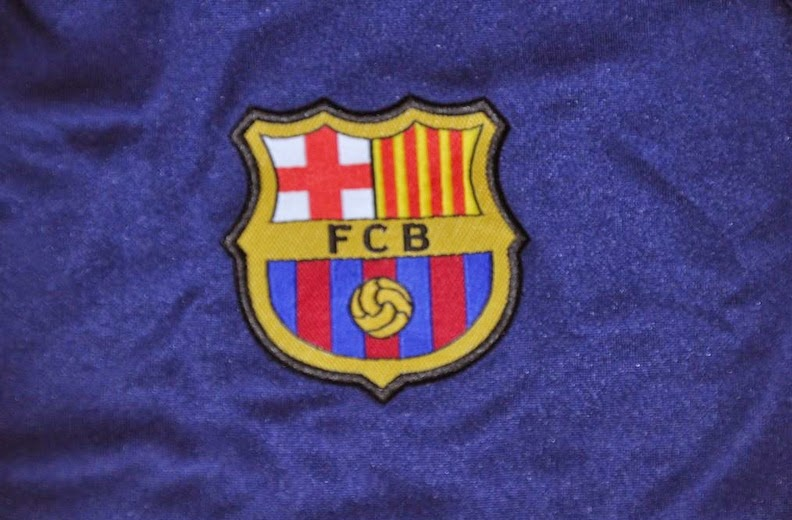 Logo Barca Bordir Pada Jaket Barcelona Terbaru Musim Kompetisi 2014-2015