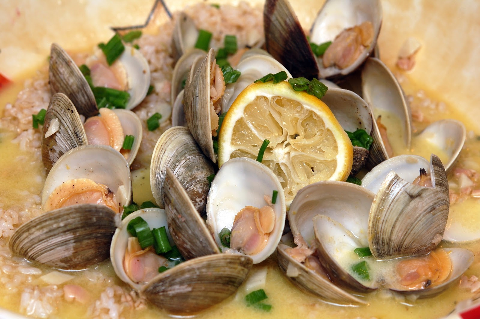 AWESOME WHITE CLAM SAUCE OVER BROWN RICE - Hugs and ...