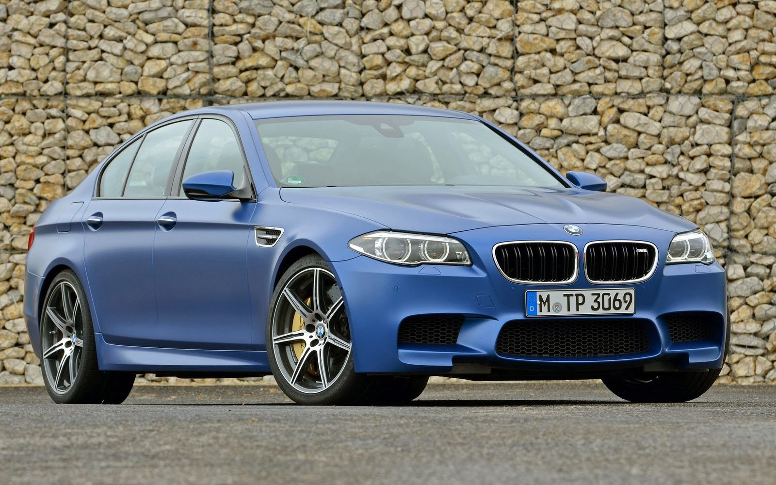 Bmw m5 2014 wallpapers top wallpaper desktop bmwm52014wallpapers1 voltagebd Image collections