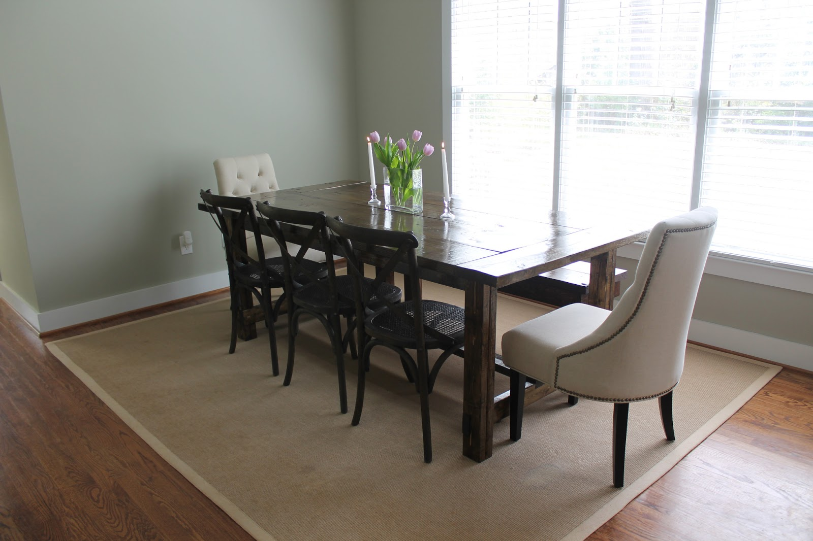 DIY} Farmhouse Dining Table - Carolina Charm