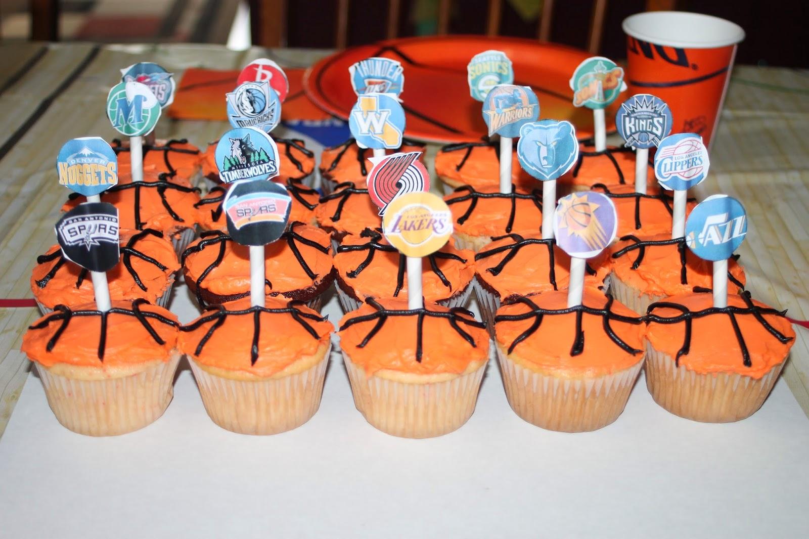 Working Mom Wonders NBA Cupcakes