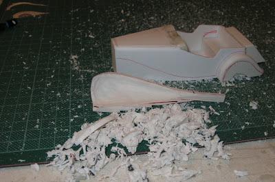 O trabalho começou a partir de um bloco de resina que foi sendo esculpida com muita paciência, já que não havia molde.