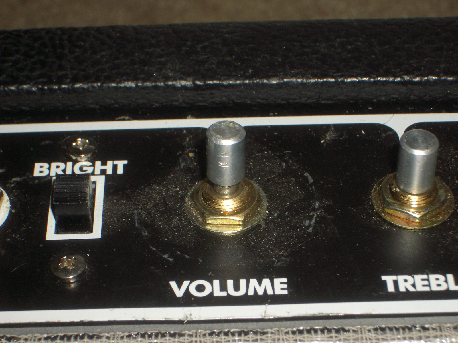 how to take off guitar volume knobs