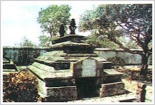 Batu Nisan Sultan Hasanuddin