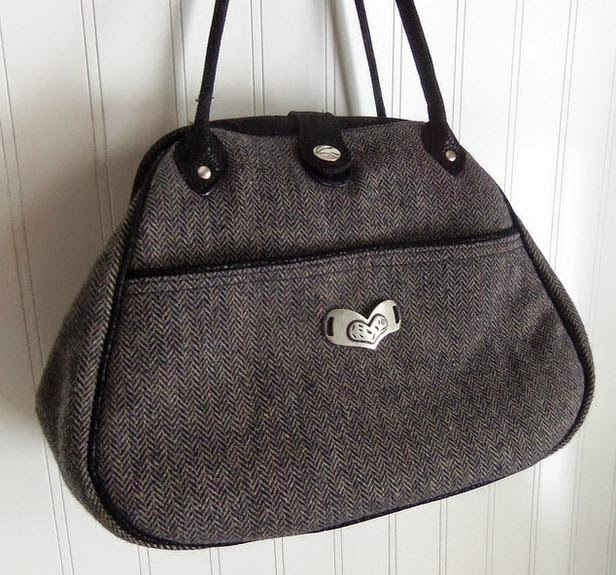 Sewing Patterns by Mrs. H Companion Carpet Bag crafted by Krista (MrsSM)